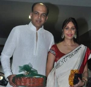 Sunita – Wife of Ashutosh Gowariker